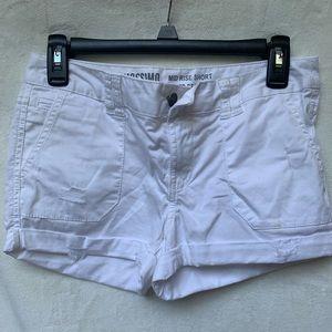 .・゜゜・White Ripped Jean Shorts .・゜゜・